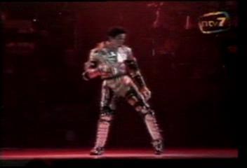 迈克尔杰克逊.-.[吉隆坡巡回历史演唱会].HIStory.World.Tour.Kuala.Lumpur.Concert.VC.jpg