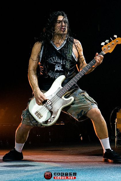 Robert Trujillo.jpg